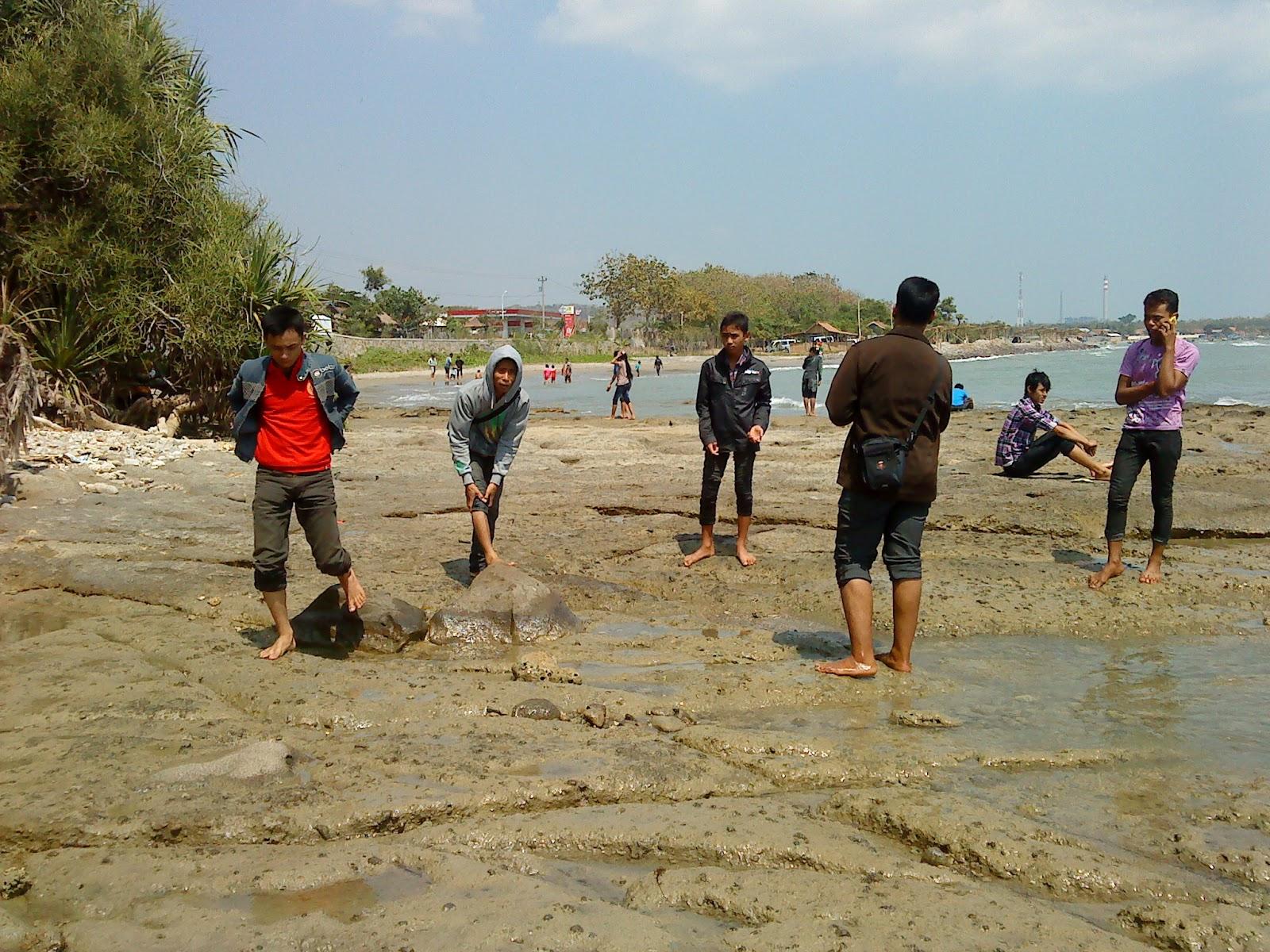 Wisata Pantai Jatisari Sluke Rembang Niam Blog Nah Hamparan Pasir