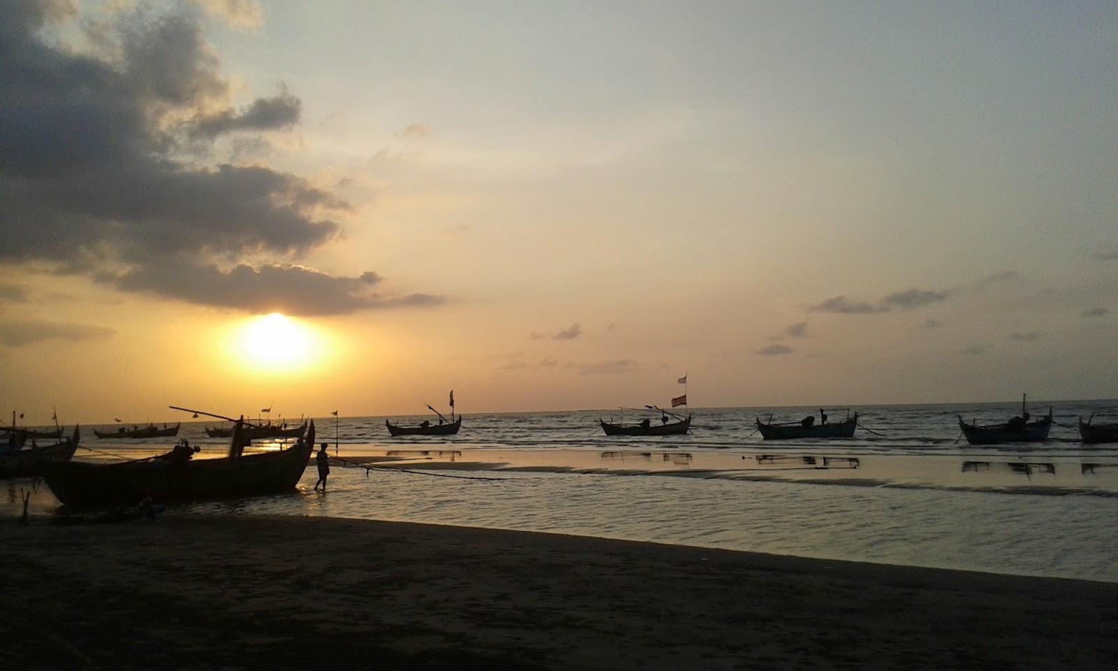 4 Pantai Memesona Rembang Bello Id Karang Jahe Kab