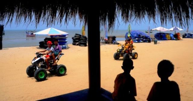 Foto Wisata Rembang Pantai Karang Jahe Tergarap Semarang Sejumlah Anak