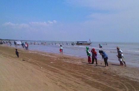 Pesona Keindahan Wisata Pantai Karang Jahe Punjulharjo Rembang Jawa Tengah
