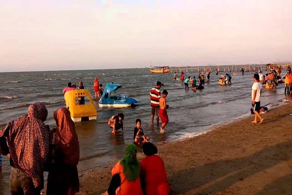 Wisata Jateng Libur Panjang Pantai Karang Jahe Dibanjiri Ilustrasi Rembang