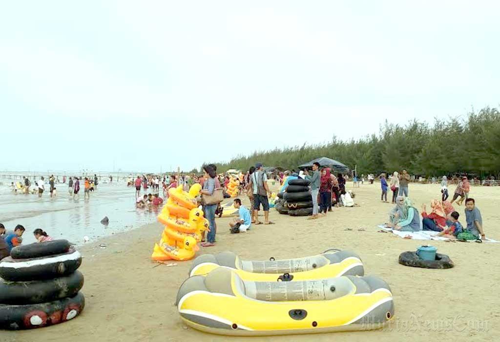Wisata Pantai Karang Jahe Rembang Ws Pamungkas Kab