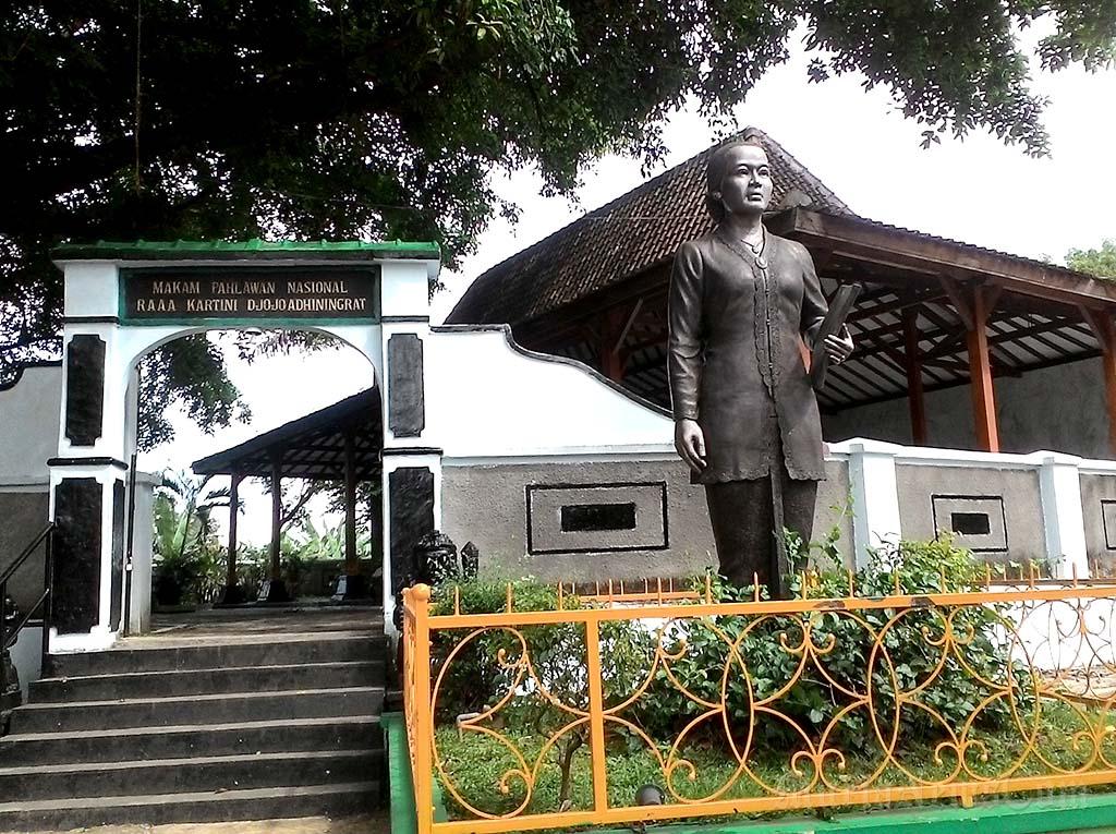 10 Tempat Bagus Rembang Wajib Dikunjungi Murianewscom Jpeg Petilasan Sunan