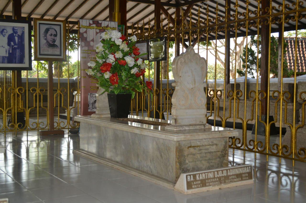 5 Tempat Wisata Religi Rembang Traveling Yuk Makam Ra Kartini