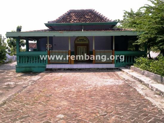 Ziarah Makam Pasujudan Sunan Bonang Lasem Rembang Gerbang Berikut Foto