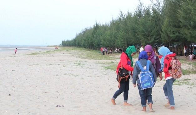 19 Objek Wisata Asli Kota Rembang Jawa Tengah Indah Pantai