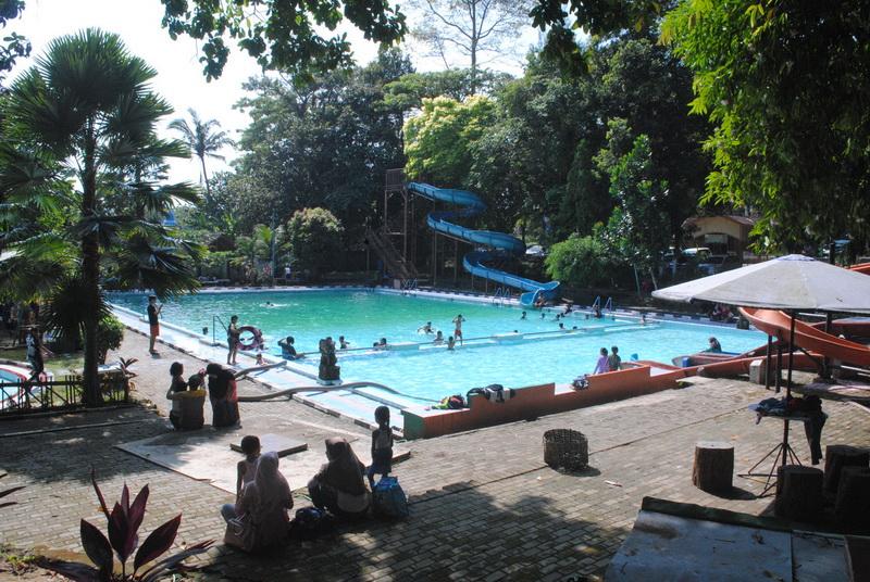 Wana Wisata Kartini Mantingan Kabar Daun Jati Umumnya Dikelola Oleh