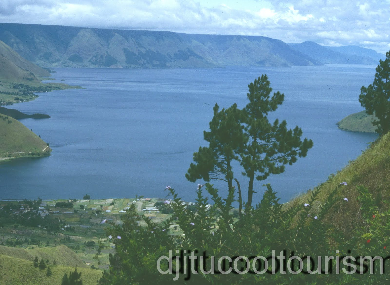 Nature Tourism Lake Toba Sumatera Utara Collection Sipinsur Kab Samosir