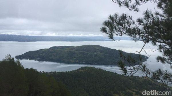 Sipinsur Tempat Asyik Melihat Danau Toba Taman Kab Samosir