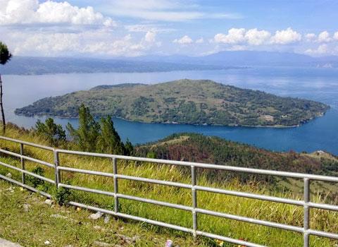 Wisata Humbang Hasudutan Tempat Kabupaten Humbahas Objek Sipinsur Memiliki Pemandangan