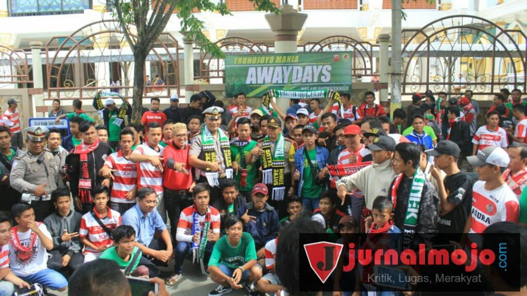 Dilepas Kapolres Ratusan Supporter Trunojoyo Mania Sampang Kawal Madura United