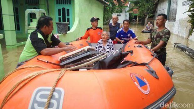Lumpur Terjang 12 Desa Kelurahan Sampang Banjir Menerjang Kota Monumen