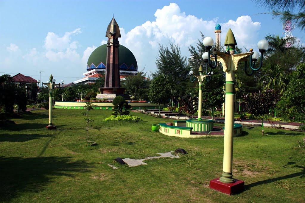 Monumen Trunojoyo Salah Satu Objek Wisata Kota Sampang Image Result