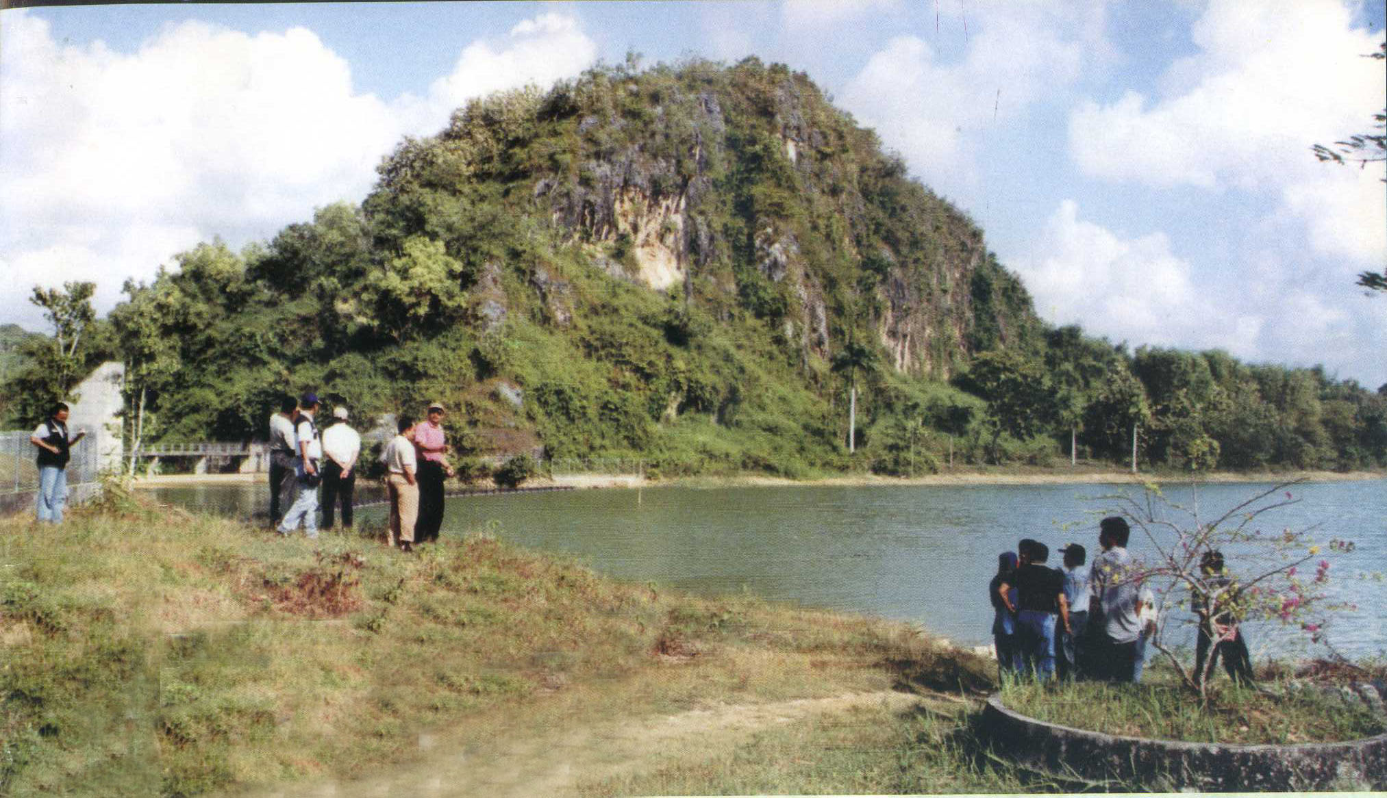Sampang November 2012 Waduk Klampis Obyek Wisata Telaga Satu Satunya