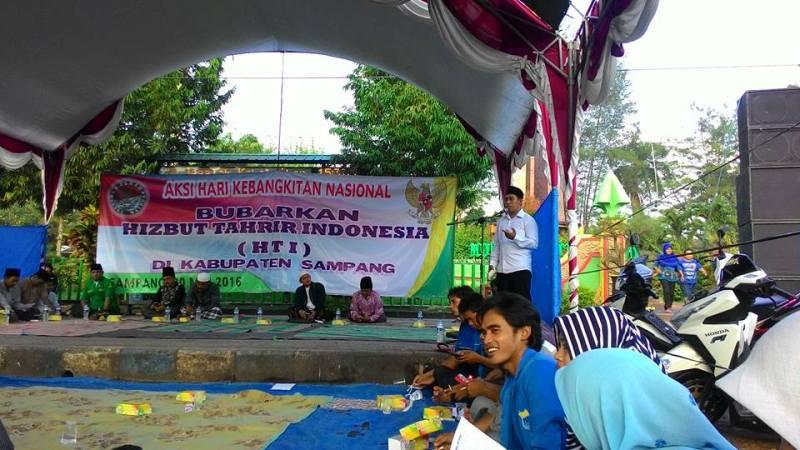 Sampang Puluhan Organisasi Kepemudaan Desak Pembubaran Hti Nu Monumen Trunojoyo