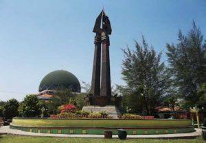 Sejarah Monumen Sampang Wisata Madura Wah Asiknya Ya Dijadikan Sebagai