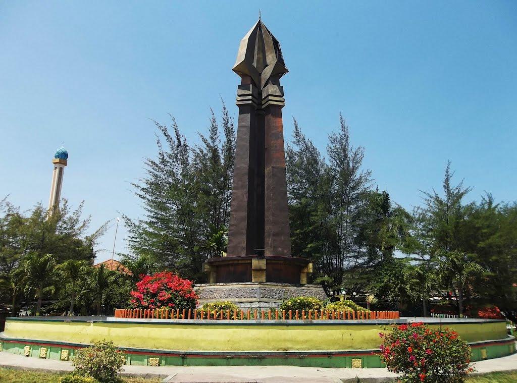 Tempat Wisata Madura Menarik Dilirik Monumen Trunojoyo Alamat Rong Tengah
