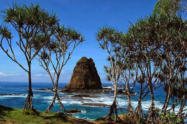 Destinasi Wisata Mudik Jatim Cak Pantai Camplong Hotel Resto Kab