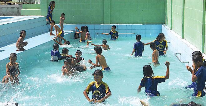 Jelajah Alam Sampang 22 Pantai Wisata Camplong Hotel Resto Kab