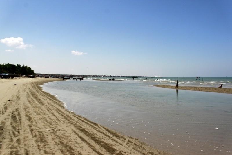 Pantai Camplong Xplora Id Wisata Hotel Resto Kab Sampang