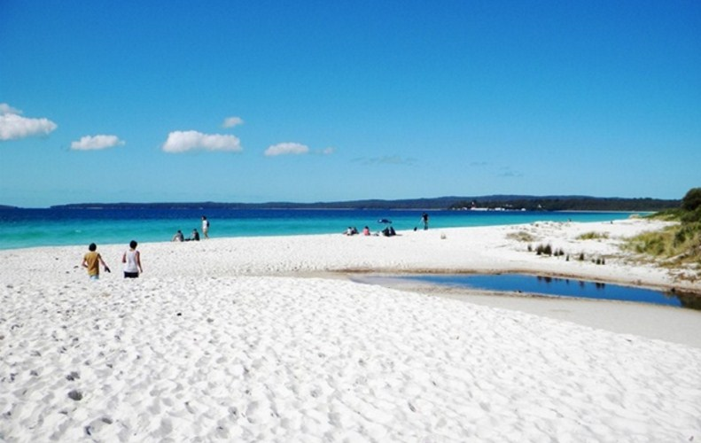 Wisata Pantai Jawa Timur Wajib Kamu Datangi Pasir Putih Situbondo