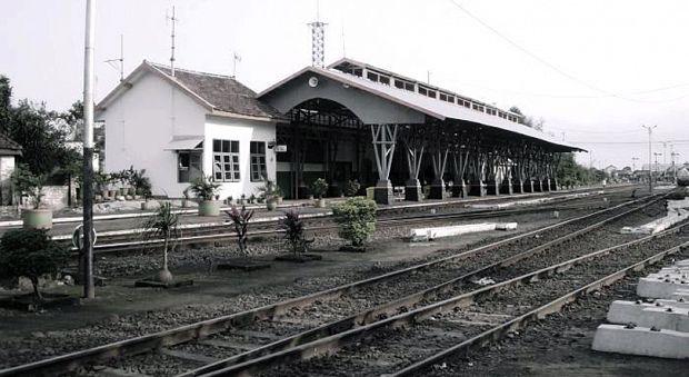 Stasiun Tertua Malang Ternyata Punya Fakta Bikin Bulu Ilustrasi Kota