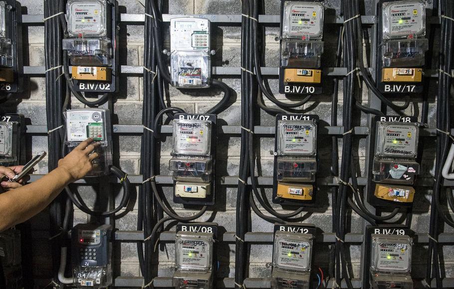 Warga Miskin Daerah Sampang Menikmati Subsidi Listrik Stasiun Kereta Api