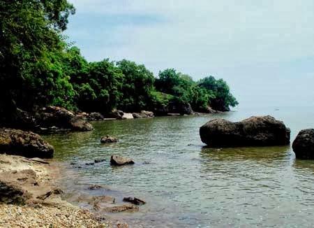 Daftar Tempat Wisata Bangkalan Sampang Madura Pantai Rongkang Sumur Daksan