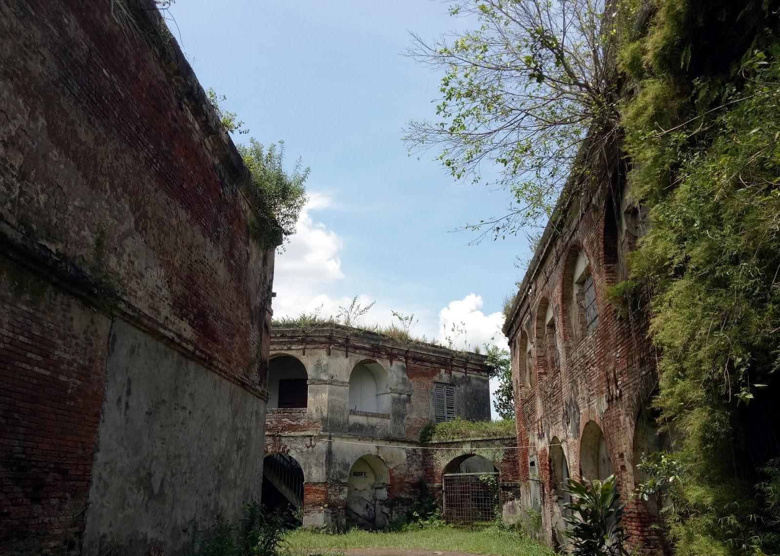 Sprinkle Stardust Pesona Kabupaten Semarang Foto Benteng Fort Willem Salah
