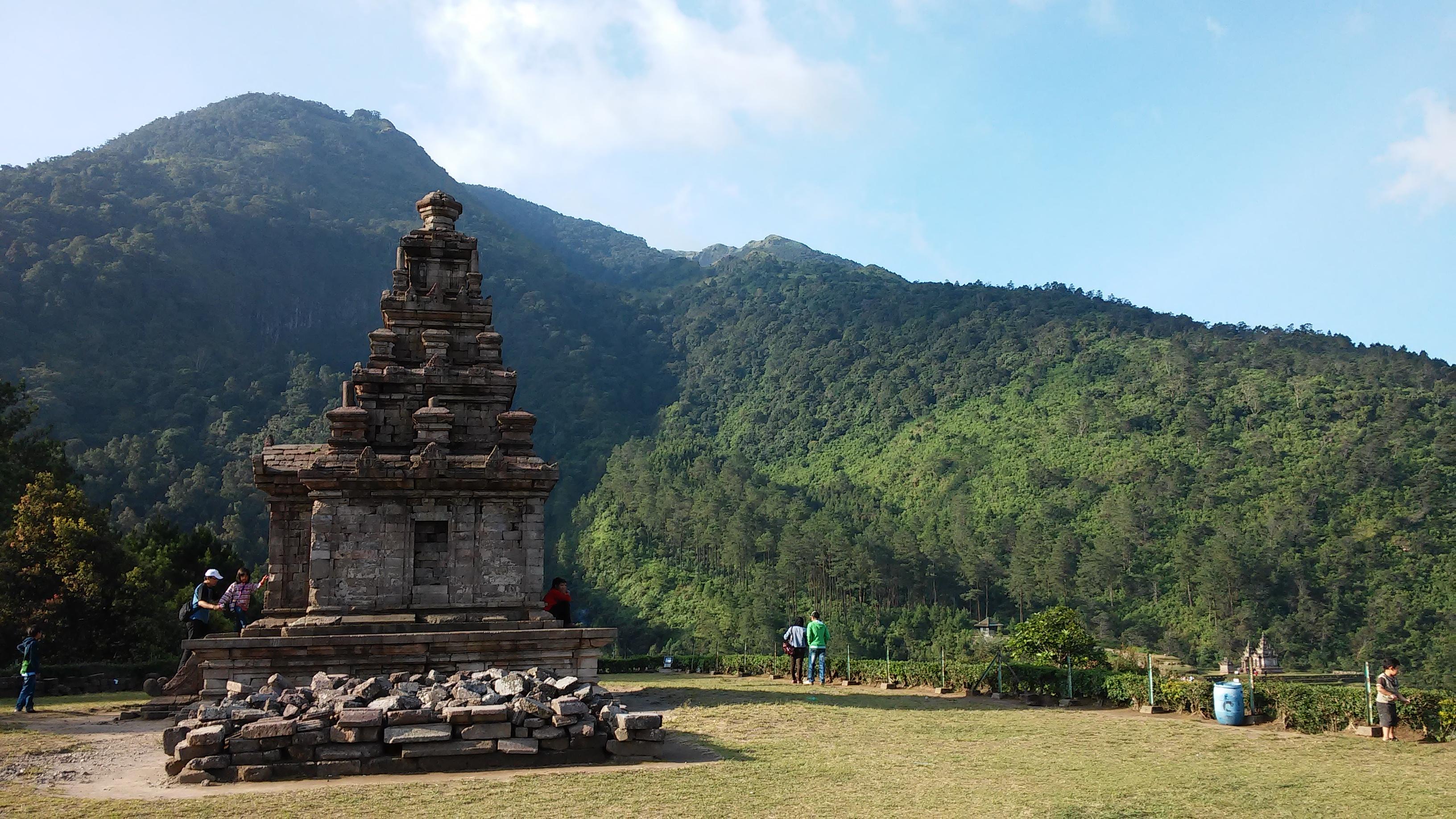 Candi Gedong Songo Semarang Indahnya Negeri Atas Awan Berada Lereng