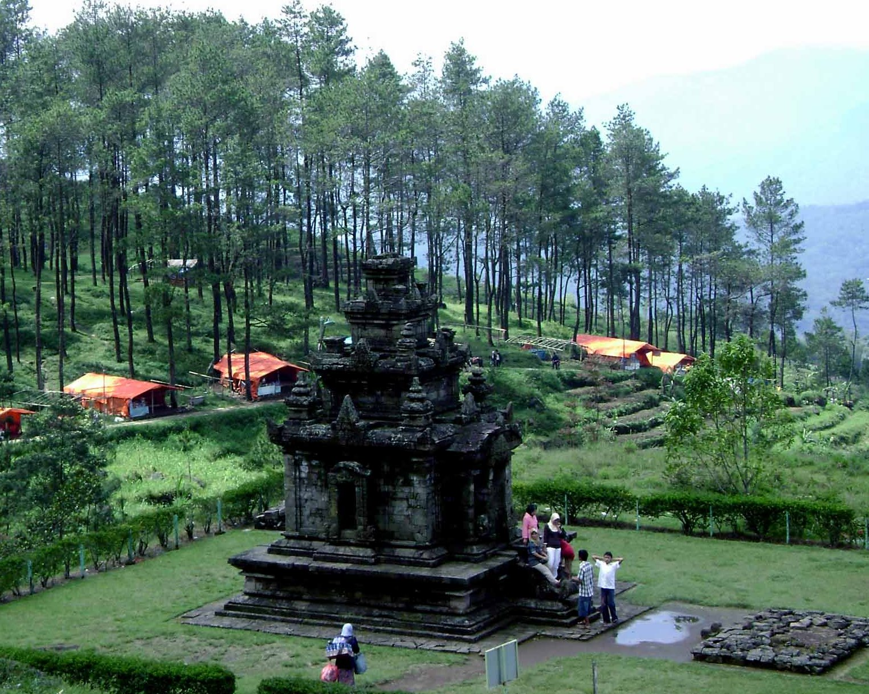 Candi Gedongsongo Wisata Yogyakarta Gedong Songo Mendaki Bukit Menuju Puncak
