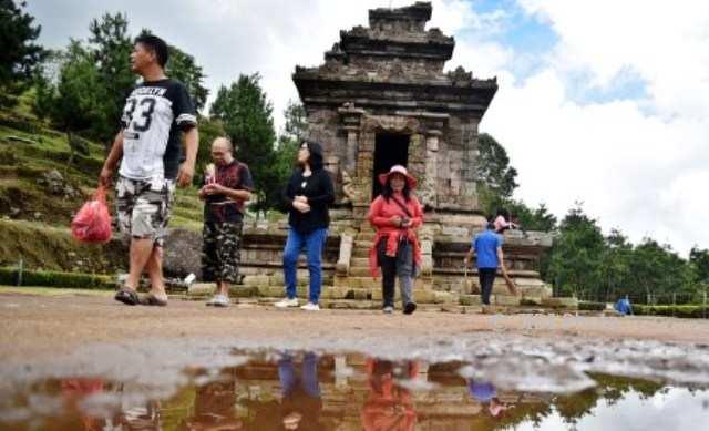Foto Wisata Semarang Hujan Tak Halangi Gedong Songo Feature Wisatawan