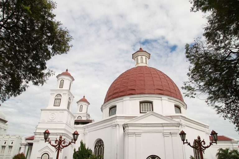 Menghidupkan Kawasan Kota Semarang Foto 1 Gereja Blenduk Kab