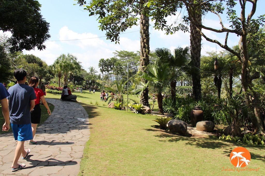 Gua Maria Kerep Ambarawa Jalan Jajan Hemat Setapak Melintasi Taman