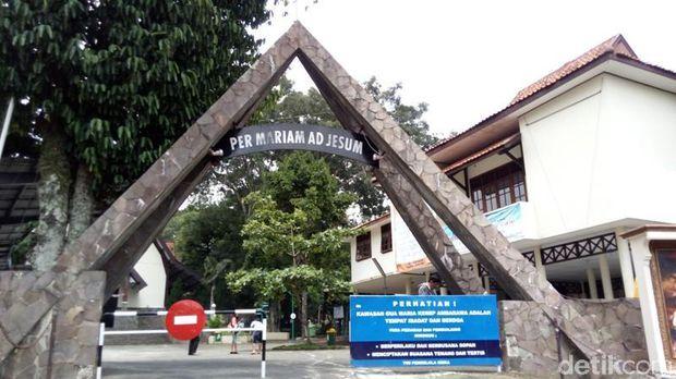 Patung Maria Assumpta Ikon Gua Kerep Ambarawa Dinas Kab Semarang