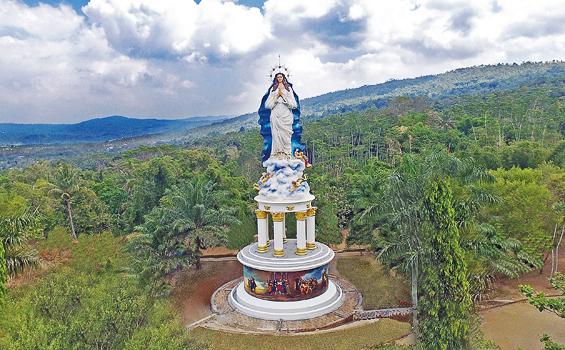 Patung Maria Raksasa Ikon Gua Kerep Ambarawa Hidupkatolik Kab Semarang