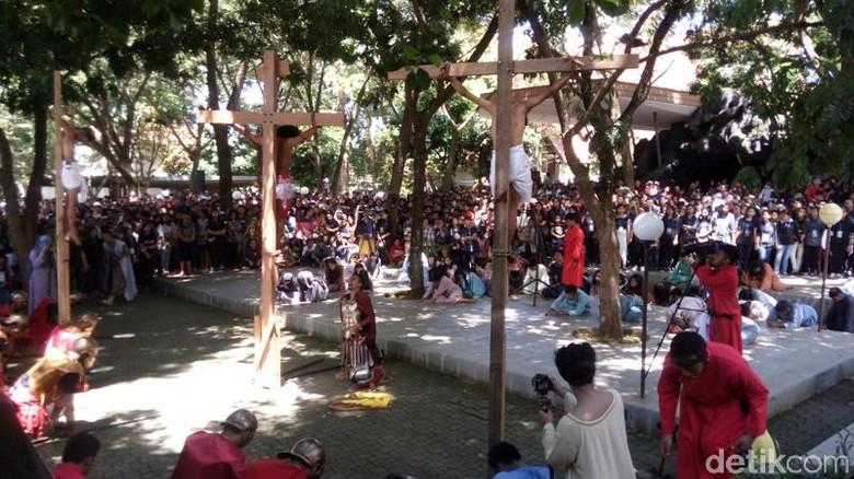 Prosesi Jalan Salib Gua Maria Kerep Ambarawa Khidmatnya Kab Semarang