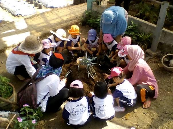 Semarang Coret Wisata Edukasi Kebun Benih Hortikultura Bandungan Ramai Menanam