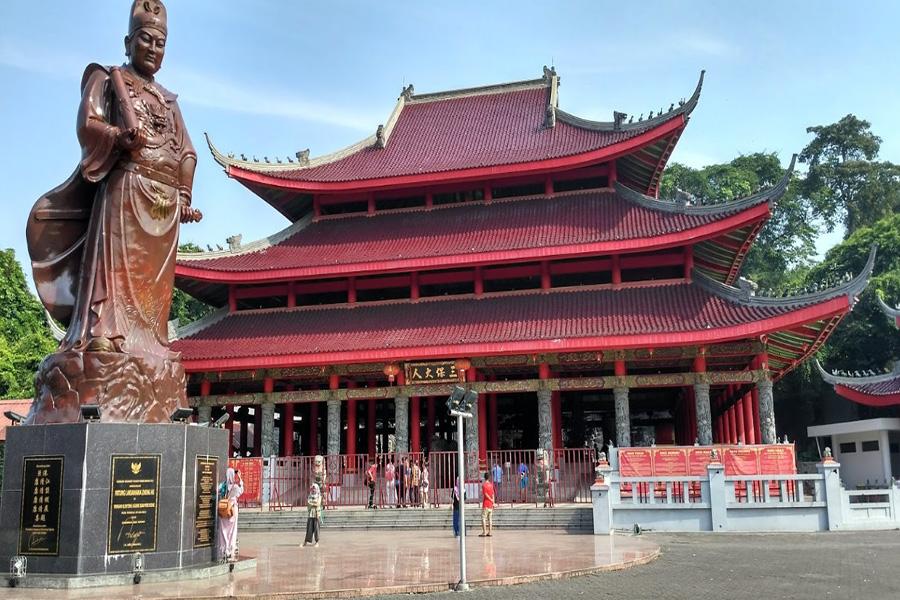 90 Tempat Wisata Semarang Menarik Wajib Dikunjungi Didominasi Warna Merah