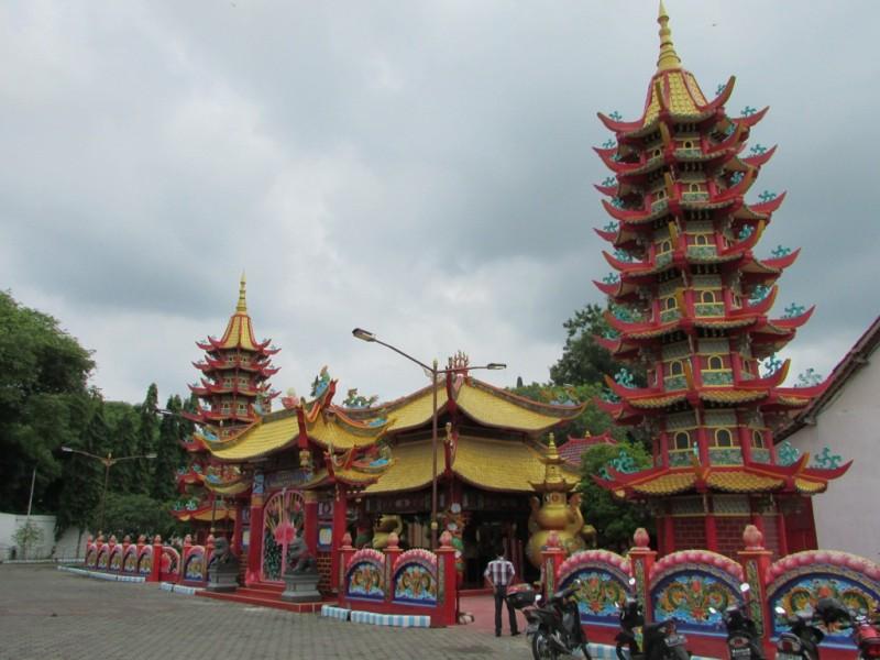 Daerah Pengurus Vihara Avalokitesvara Pamekasan Berbagi Berkah Warga Muslim Klenteng