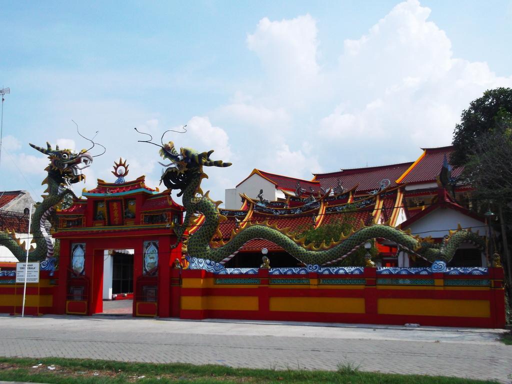 Klenteng Tjoe Hwie Kiong Rembang Kekunaan Berdasarkan Catatan Sejarah Dibangun