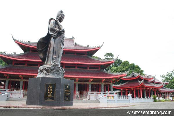 Pagoda Avalokitesvara Tertinggi Indonesia Wisata Semarang Sam Poo Kong Dilengkapi