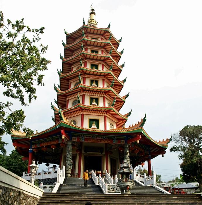 Wisata Religi Pagoda Budhagaya Kota Semarang Jawa Tengah Avalokitesvara Klenteng