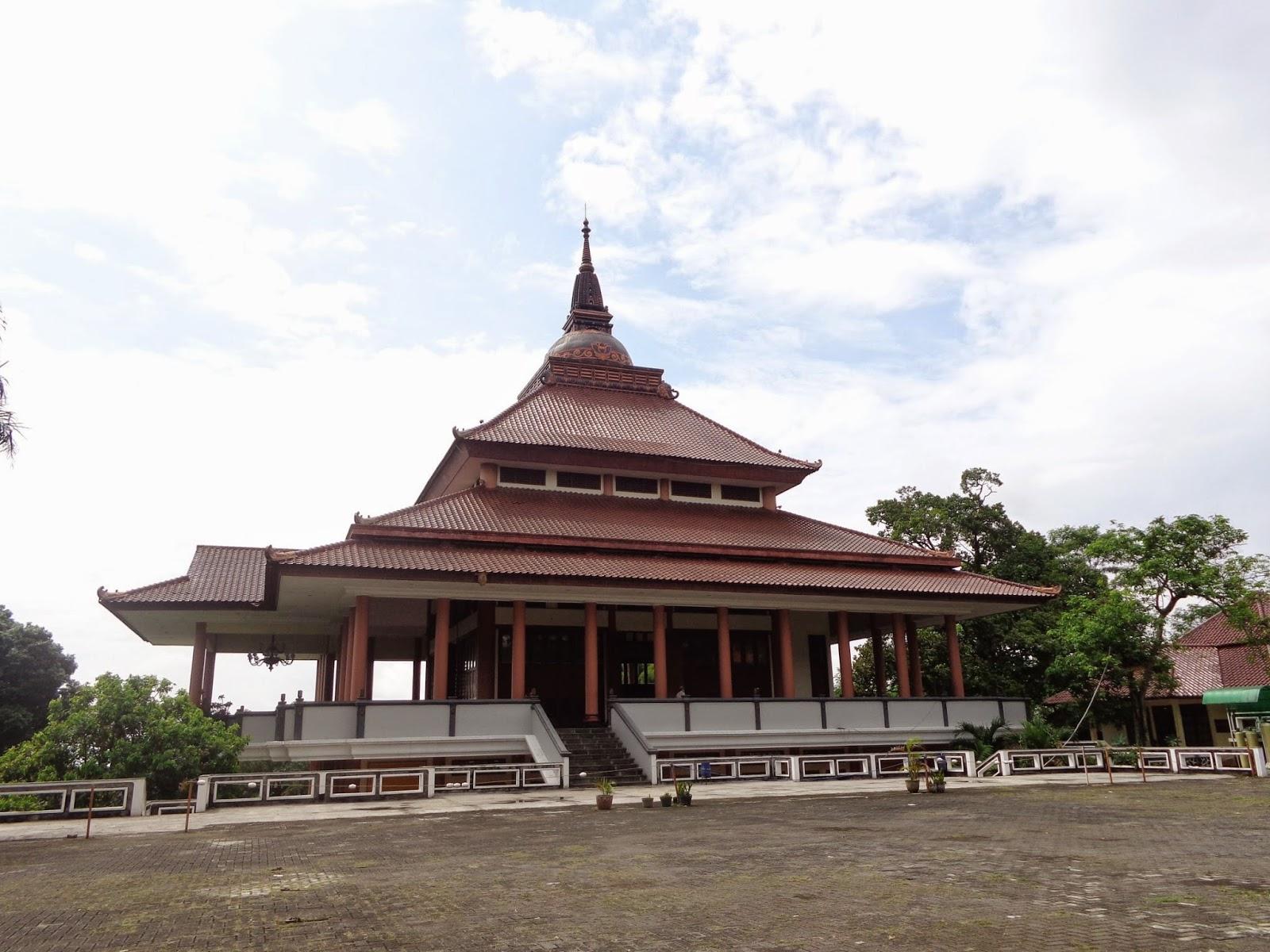 Wisata Religi Pagoda Budhagaya Kota Semarang Jawa Tengah Vihara Dhammasala
