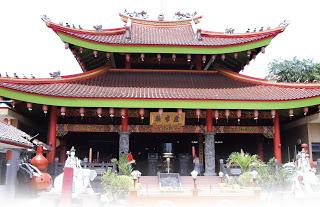 Wisata Semarang Masjid Agung Jawa Tengah Klenteng Roro Jonggrang Timur