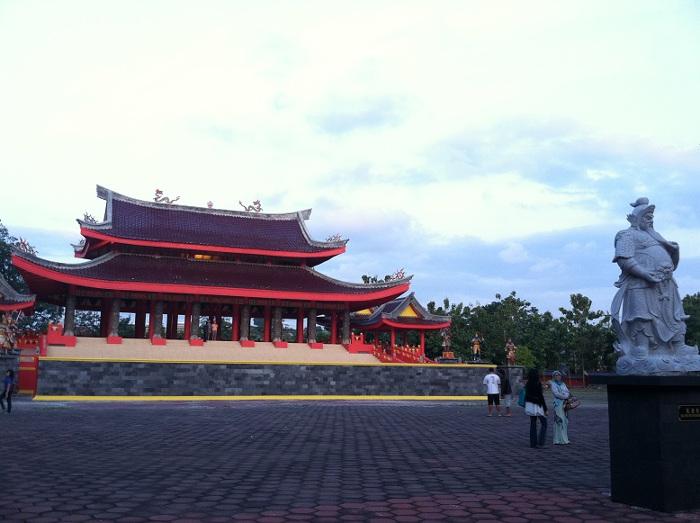 21 Tempat Wisata Semarang Tak Dilewatkan Yuk Piknik Sam Poo