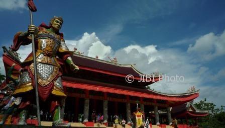 Foto Wisata Semarang Kelenteng Ramai Libur Lebaran Sam Poo Kong