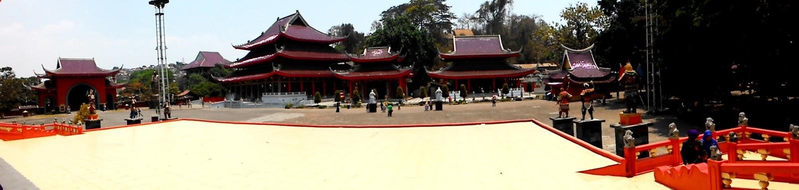 Plesiran Klenteng Sam Poo Kong Tujuan Wisata Bersejarah Kota Semarang