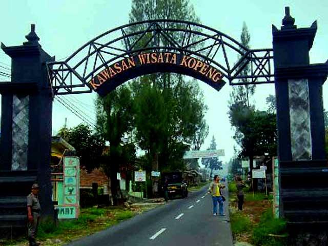 Tempat Wisata Daerah Kabupaten Semarang Kolam Renang Tirto Argo Siwarak
