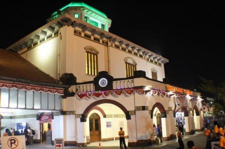 73 Tempat Wisata Semarang Wajib Dikunjungi Liburan Stasiun Tawang Berada